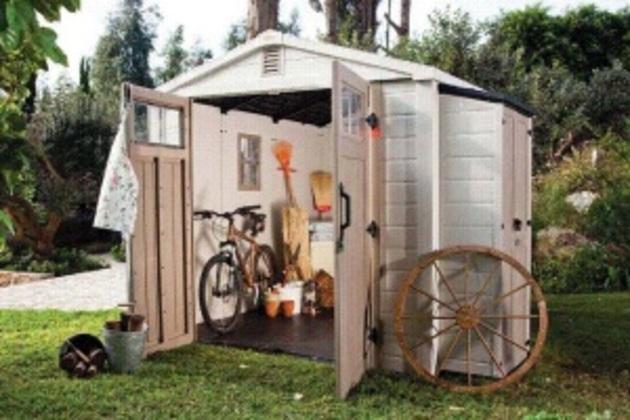 Найбідніші мешканці  сіл мають платити податки із туалетів та навісів для сіна