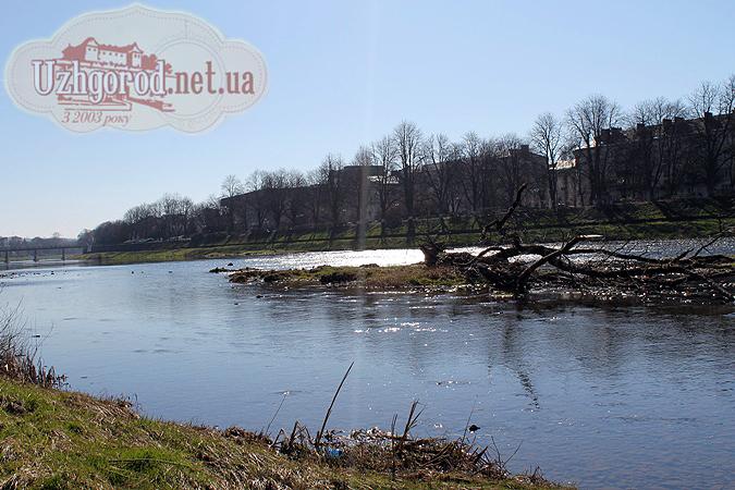У центрі ужгорода річка вражає