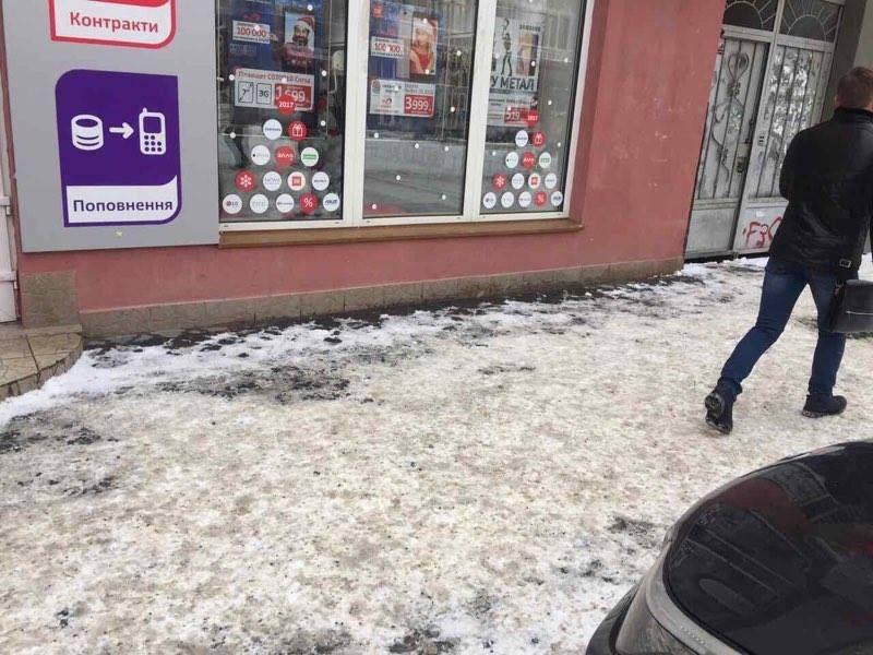 За неприбраний сніг в Ужгороді складено 10 протоколів