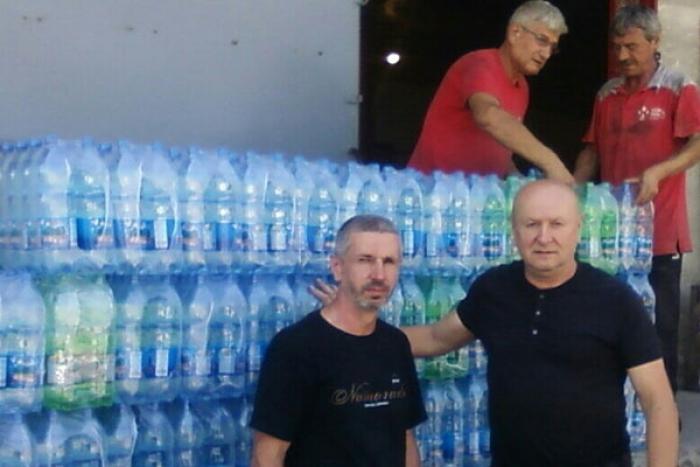 З Тячева на передову відправили більше тисячі пляшок мінеральної води