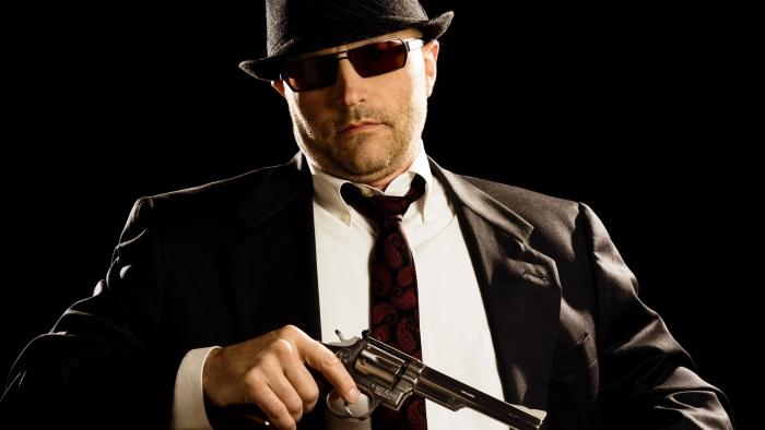 Гангстерська справедливість по-Тячівськи: з побиттям, пістолетом і міченими доларами