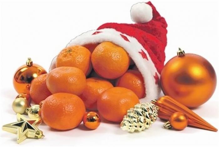 Цукерки, мандарини та шкарпетки. Закарпатці готуються до свята Миколая та Нового року