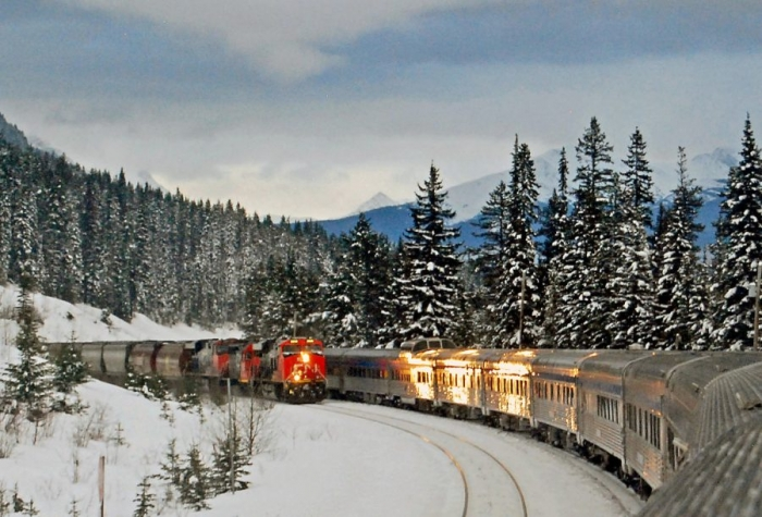 Іршавчани, з 10 грудня потяги їздитимуть за новим графіком!