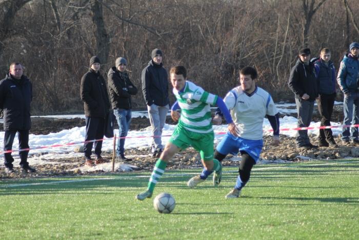 Відбулися перші чвертьфінальні матчі зимової першості з футболу