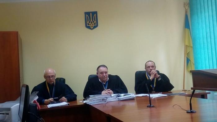 Львівський суд не підтримав Великоберезнянську чиновницю, яка зневажила український прапор