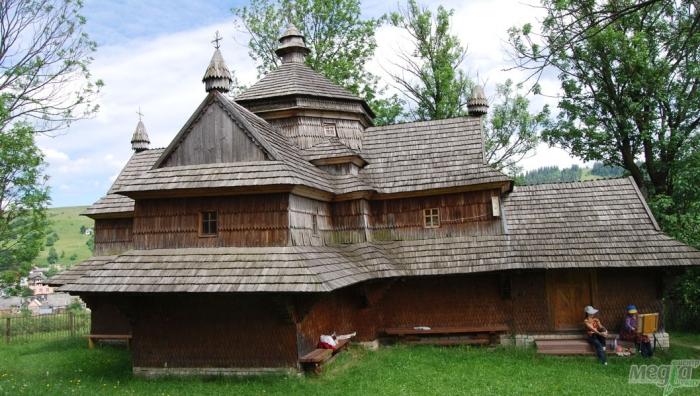 Закарпатську дерев'яну церкву, що охороняється ЮНЕСКО, нищать зсередини