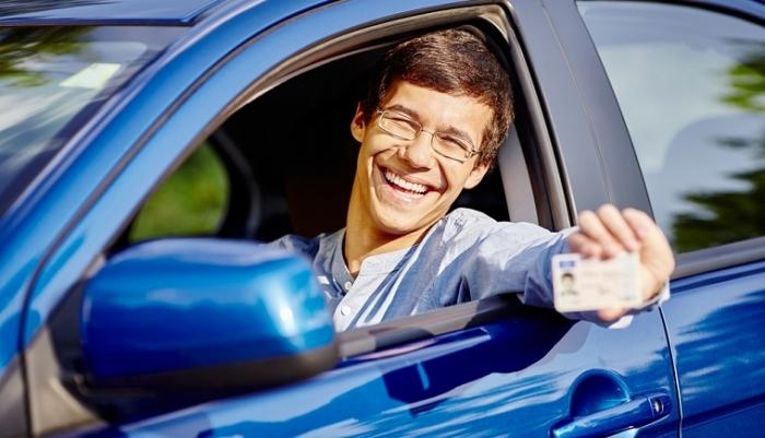 Закарпатцям слід готуватися до зміни водійських прав для поїздок в Європу