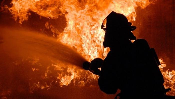 На Тячівщині вогнеборці ліквідували пожежу у дворогосподарстві