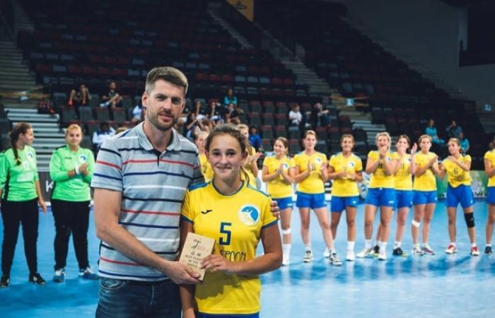 Успіх! Ужгородка стала кращим гравцем збірної України з гандболу (ФОТО)