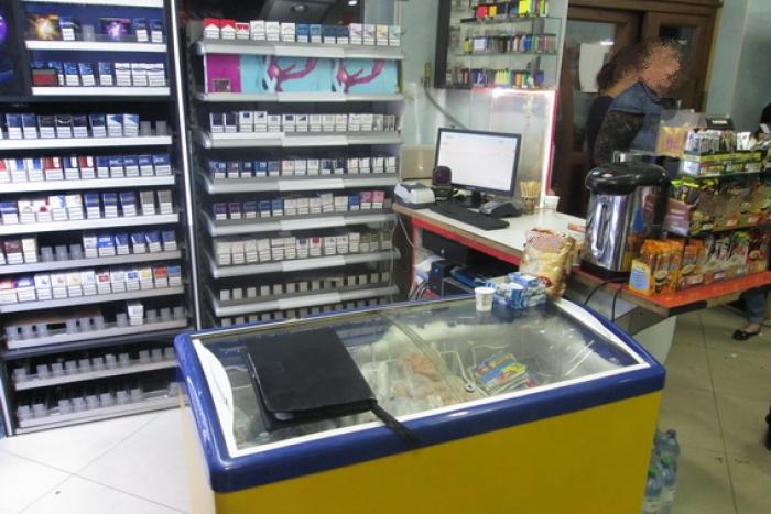 Закарпатець взяв з каси 5 тис.грн і вибіг з магазину