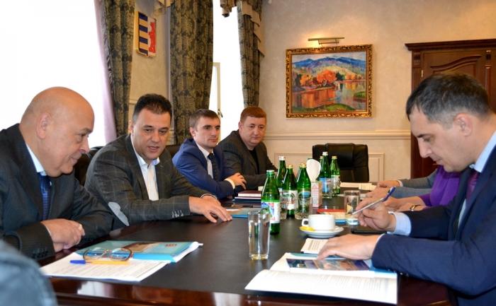 Очільники Закарпаття та Львівщини обговорили грантові проекти для підтримки ініціатив карпатських громад