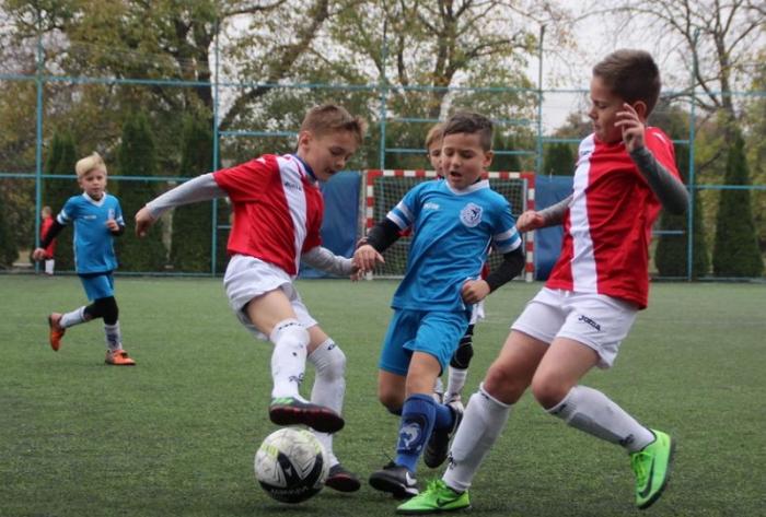 Юні футболісти зі Сваляви лідирують у футбольному Міжнародному дитячому турнірі