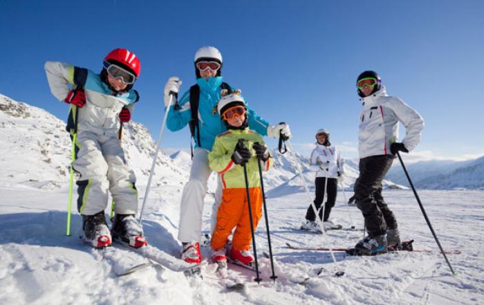 ТОП-5 варіантів, де кататися на лижах в українських Карпатах