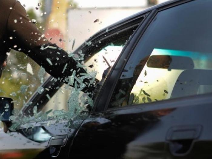 """Банда """"потрошителів"""" автомобілів орудує на Закарпатті"""