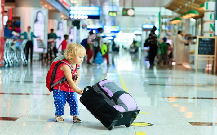 Відтепер закарпатці можуть відправляти дітей літаками за кордон