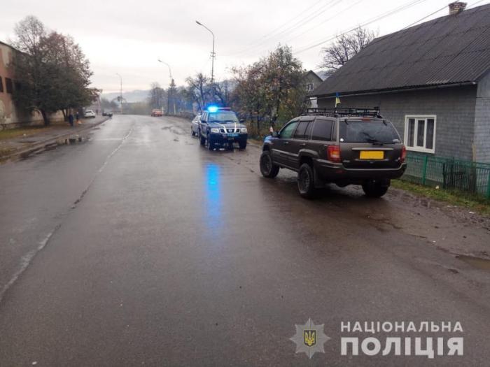 На Тячівщині водій позашляховика «Jeep» скоїв наїзд на пенсіонерку – старенька померла