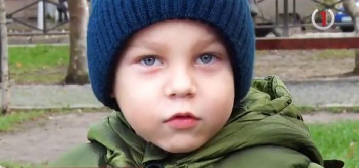 Вроджена хвороба: 5-ти річний закарпатець Миколка Крайняй потребує допомоги