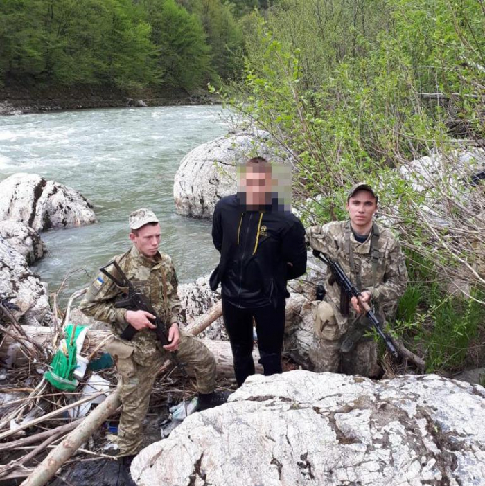 Водолаз-горянин, якого затримали прикордонники на Рахівщині, сплатить 8,5 тис. гривень штрафу