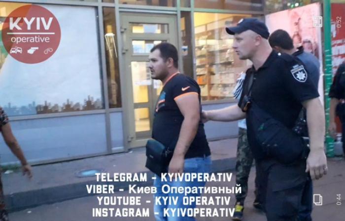 Роми з Берегова відлупцювали столичних поліцейських прямо у відділку – били плиткою