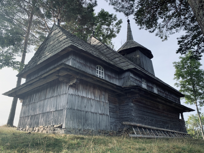 Самотня молитва: історія дерев'яної церкви з безлюдного села Кужбеї